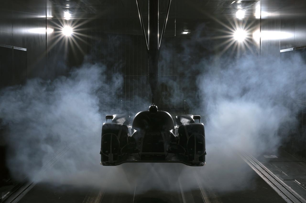 13 Audi R18   Le Mans i űrszekér
