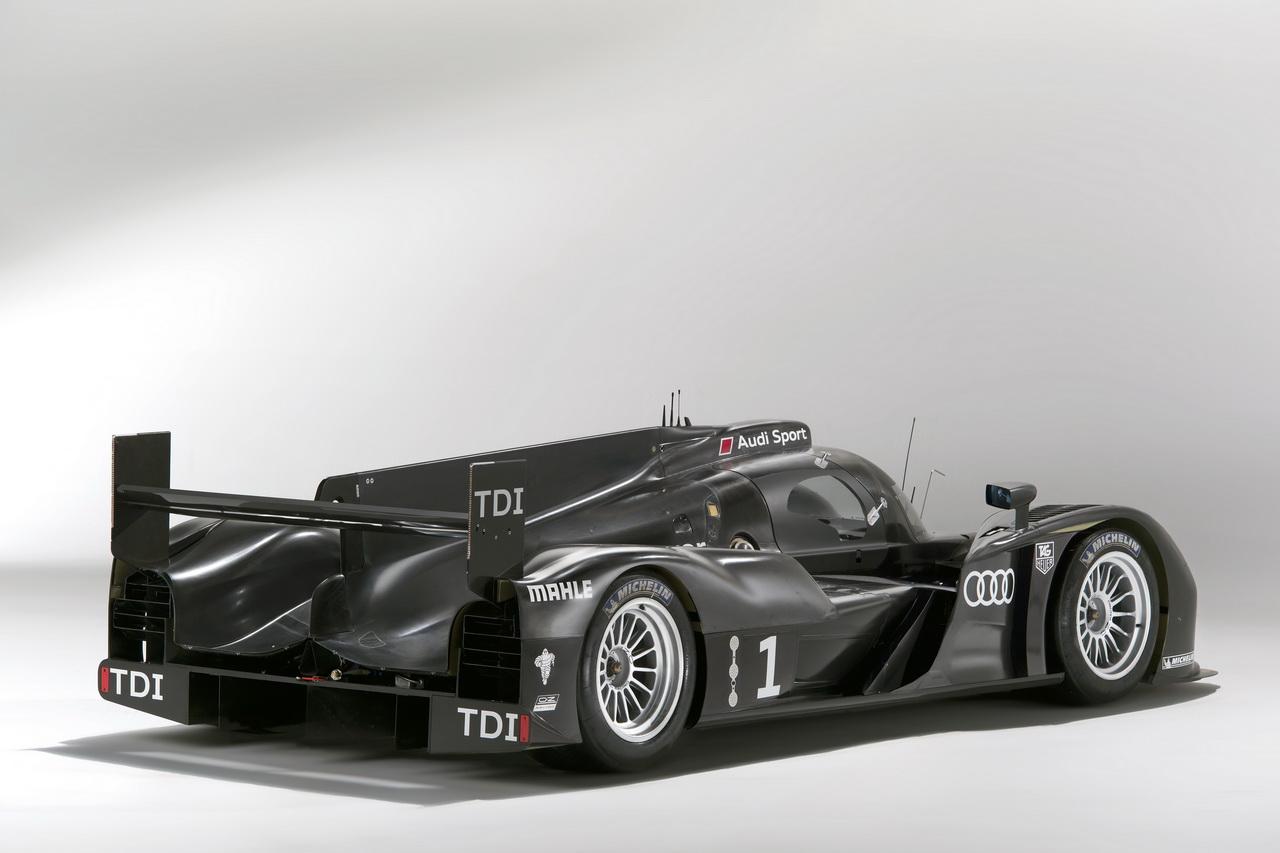3 Audi R18   Le Mans i űrszekér
