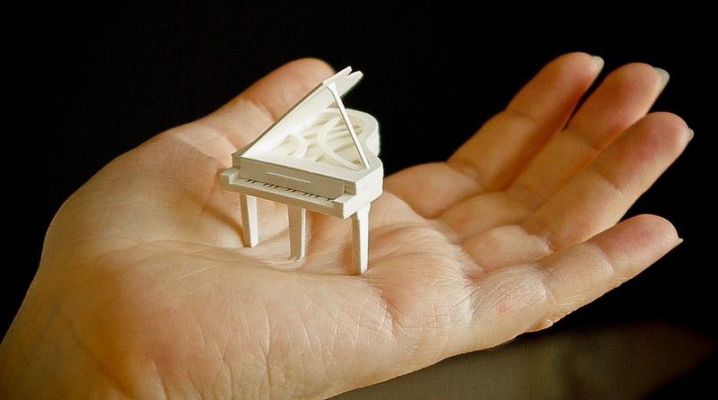 131 Hírességek miniatűr papír modelljei