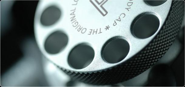 lockcircle dslr cap 8 b resize LockCircle   csúcsminőségű DSLR vázsapka alumínium tömbből