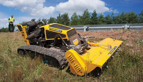 mcconnel robocut rc mower 0 b resize McConnel Robocut – távirányítós fűnyírószörny kemény terepre